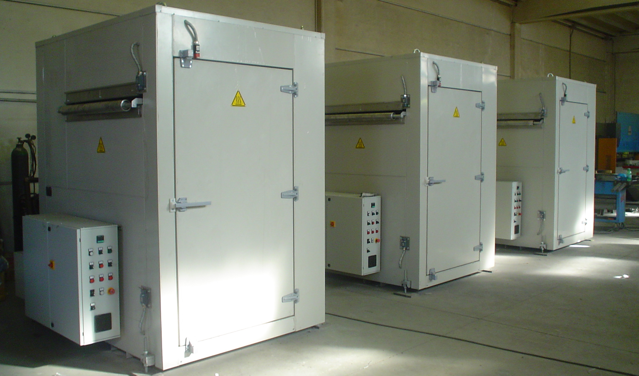 Preheating ovens fo film thermoforming